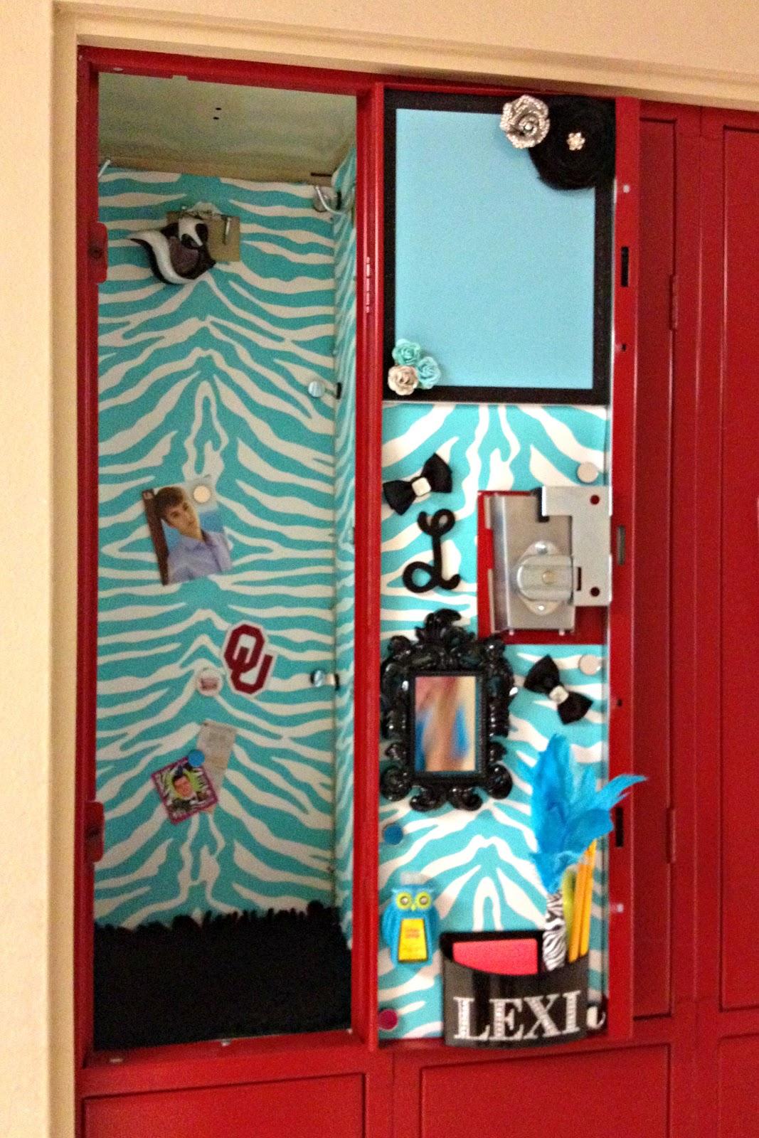 aqua locker wallpaper