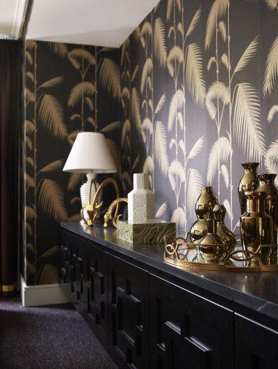 Gold and black palm print wallpaper 400x532