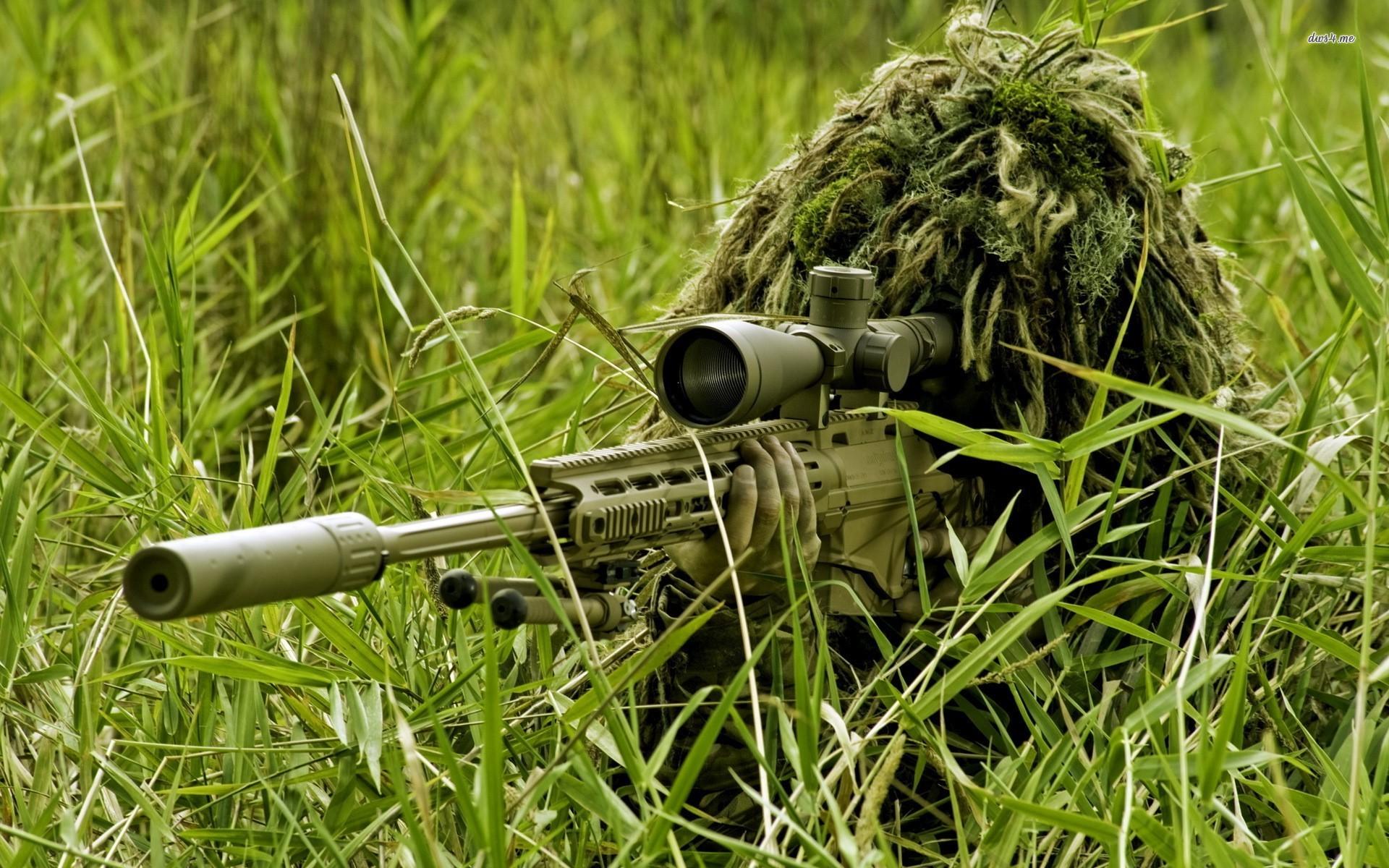 1920x1200px Sniper in Grass 487900 1920x1200