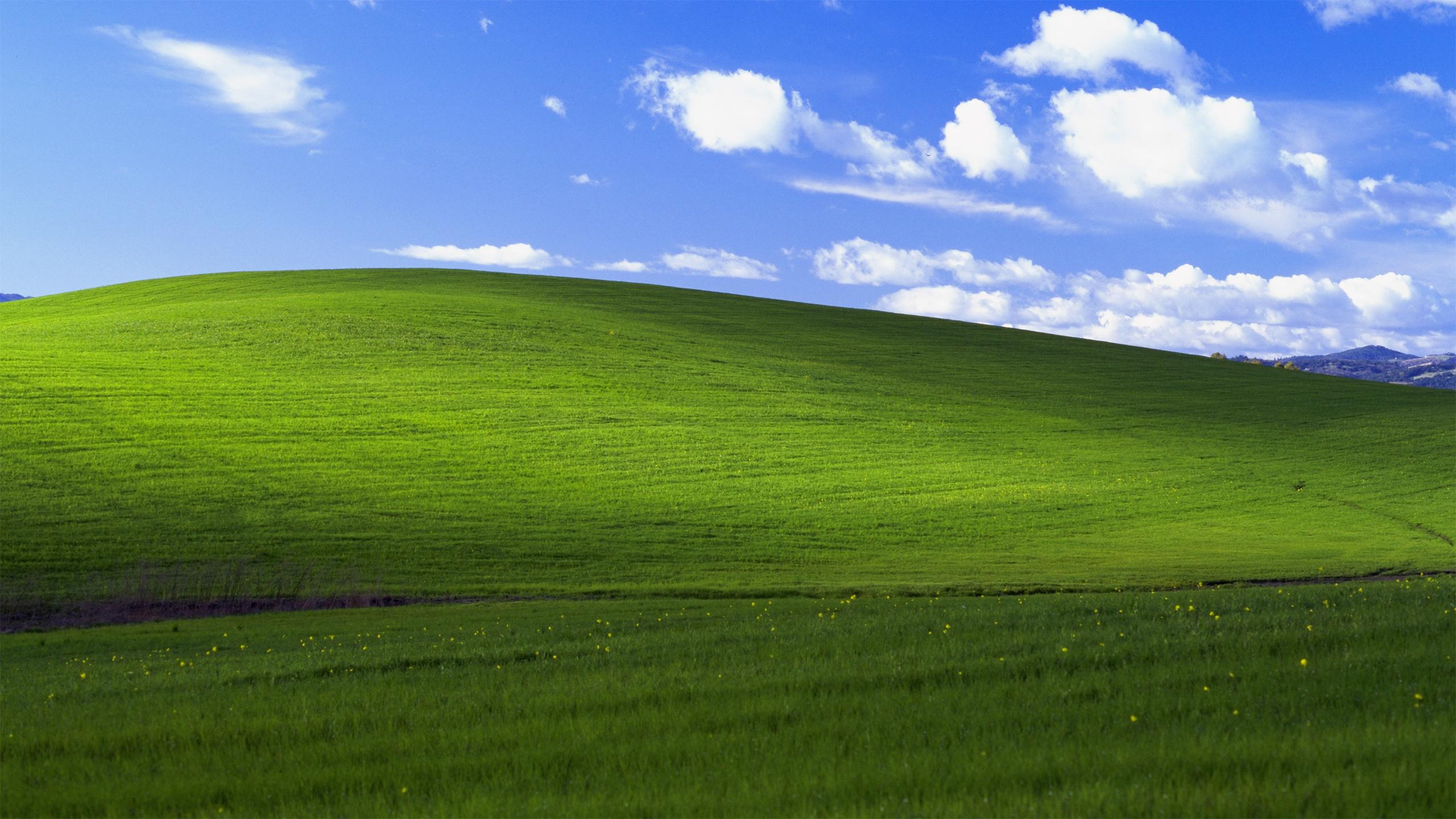 used for the Windows XP default wallpaper is mostly untouched 2560x1440