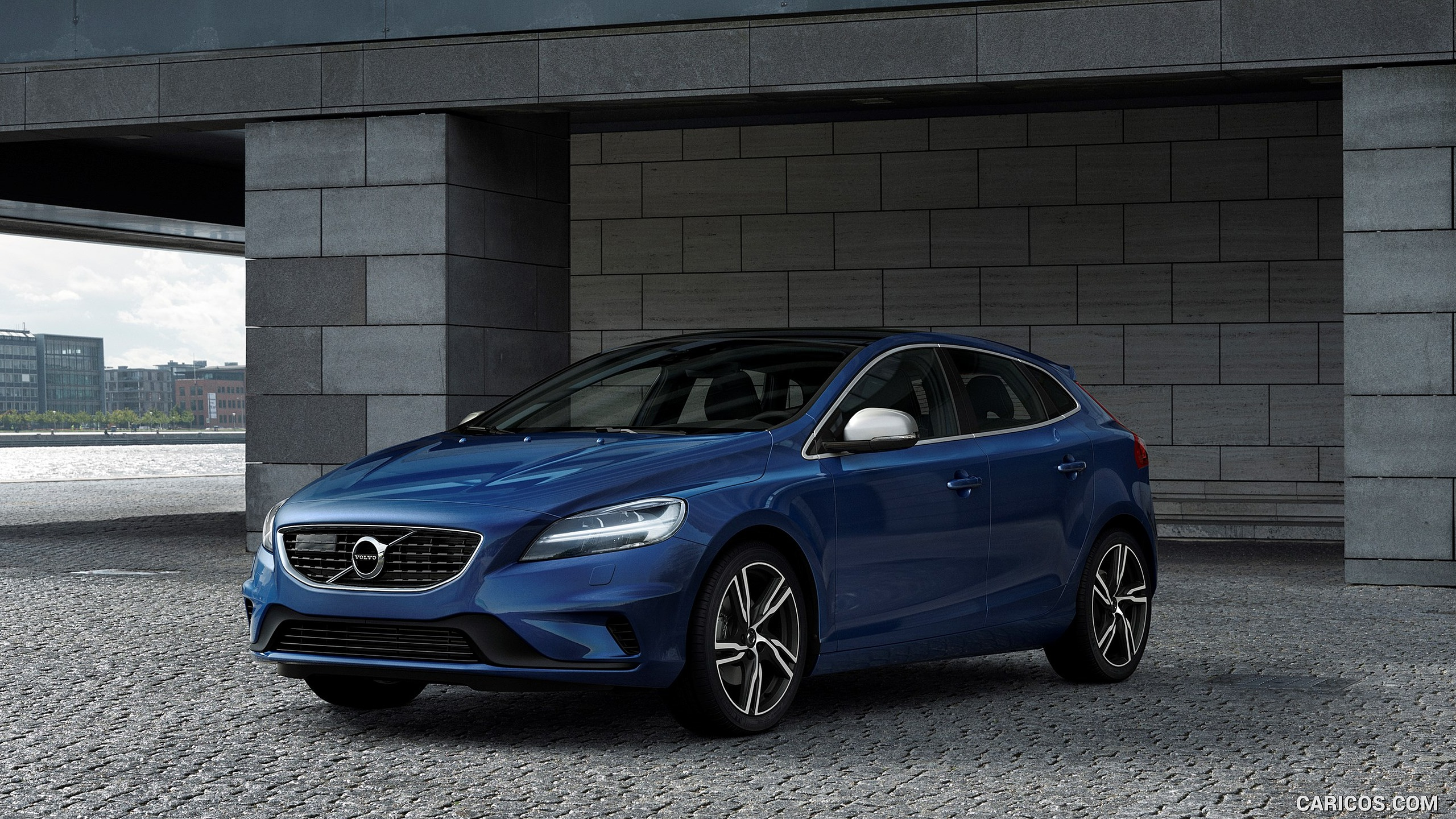 2017 Volvo V40 T5 R design   Front HD Wallpaper 10 2560x1440