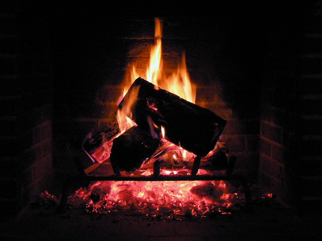 Live Fireplace Background for Computers 1024x768
