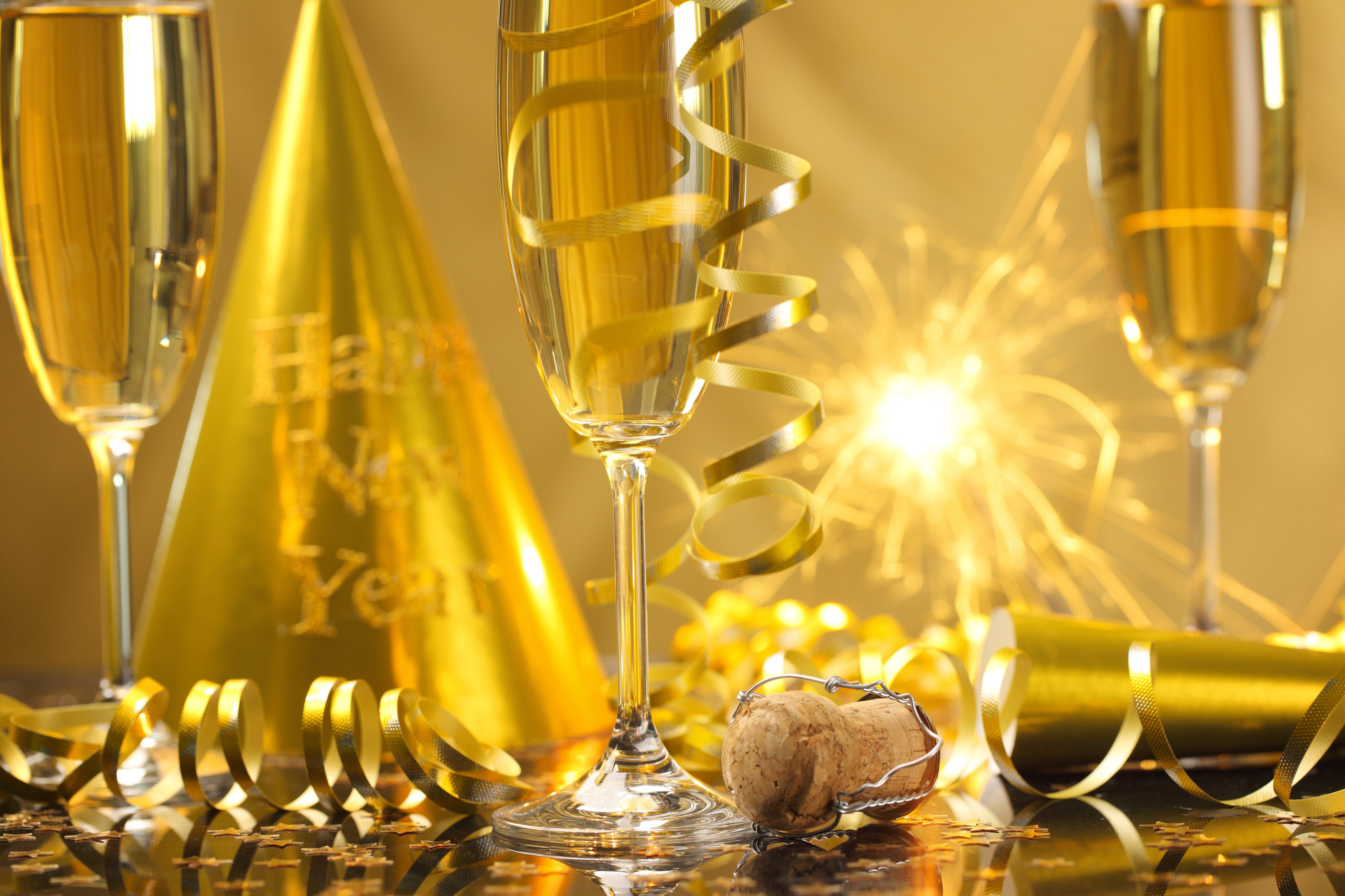 New Year champagne Happy New Year streamers celebration 5616x3744