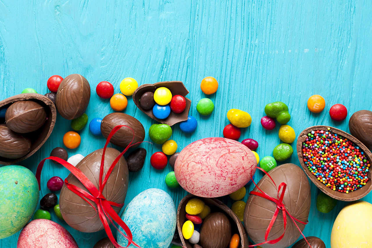 Desktop Wallpapers Easter egg Chocolate Candy Food Holidays Colored 1280x853