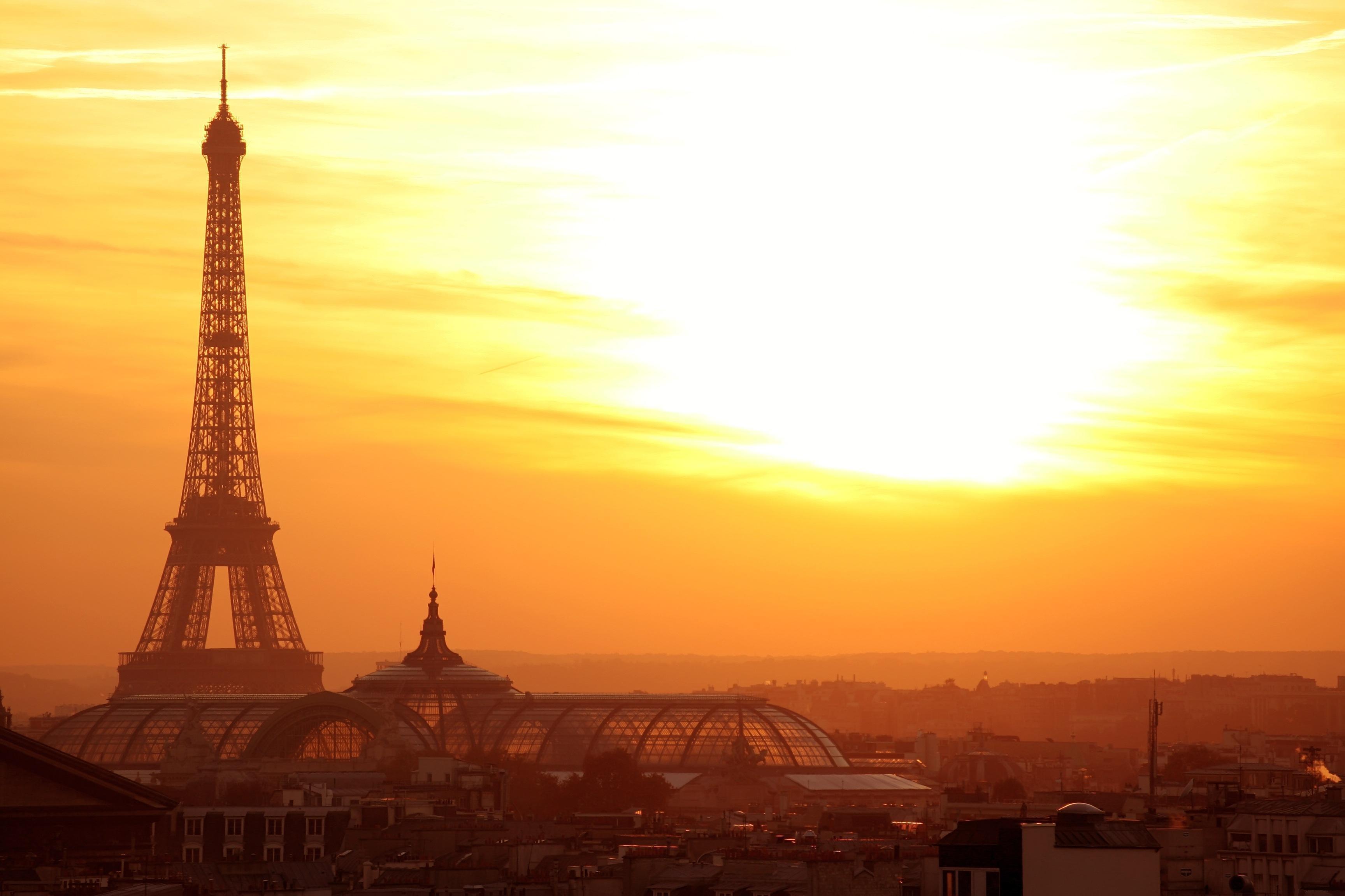 Eiffel Tower Backgrounds - WallpaperSafari