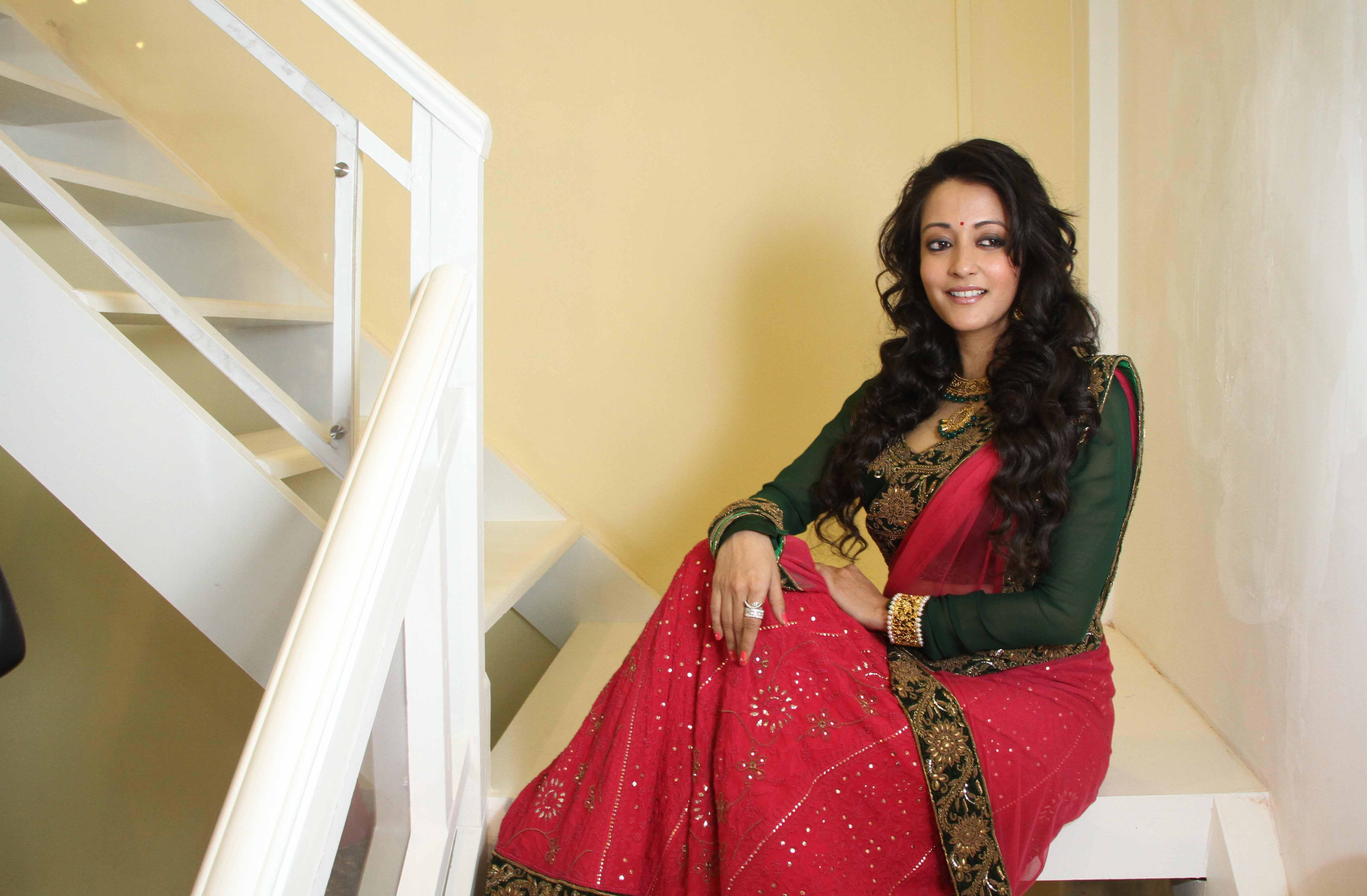 Download Hd images of Raima sen in saree latest HD Wallpaper under the 4758x3120