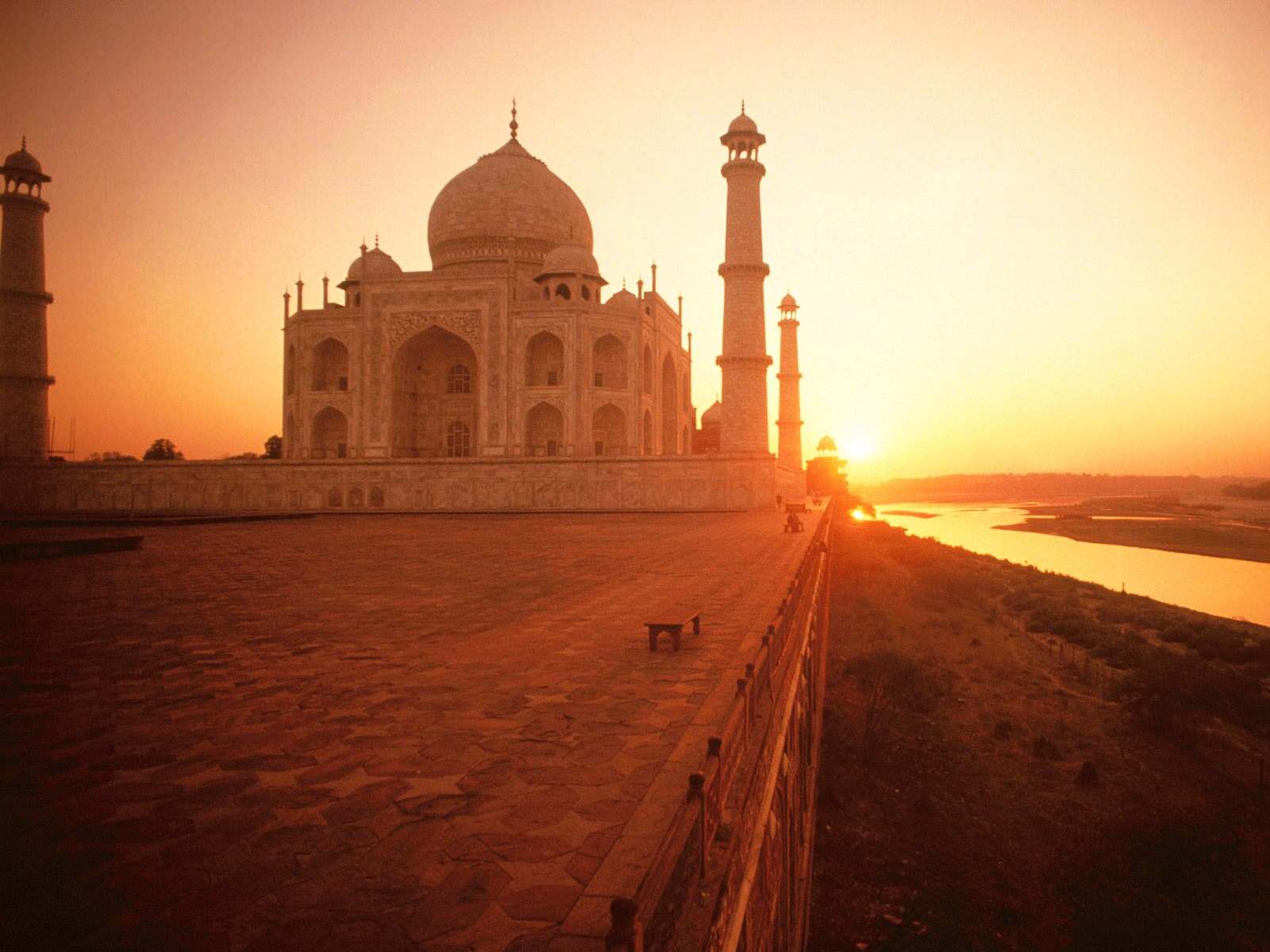 The Taj Mahal at Sunset India Wallpapers HD Wallpapers 1600x1200