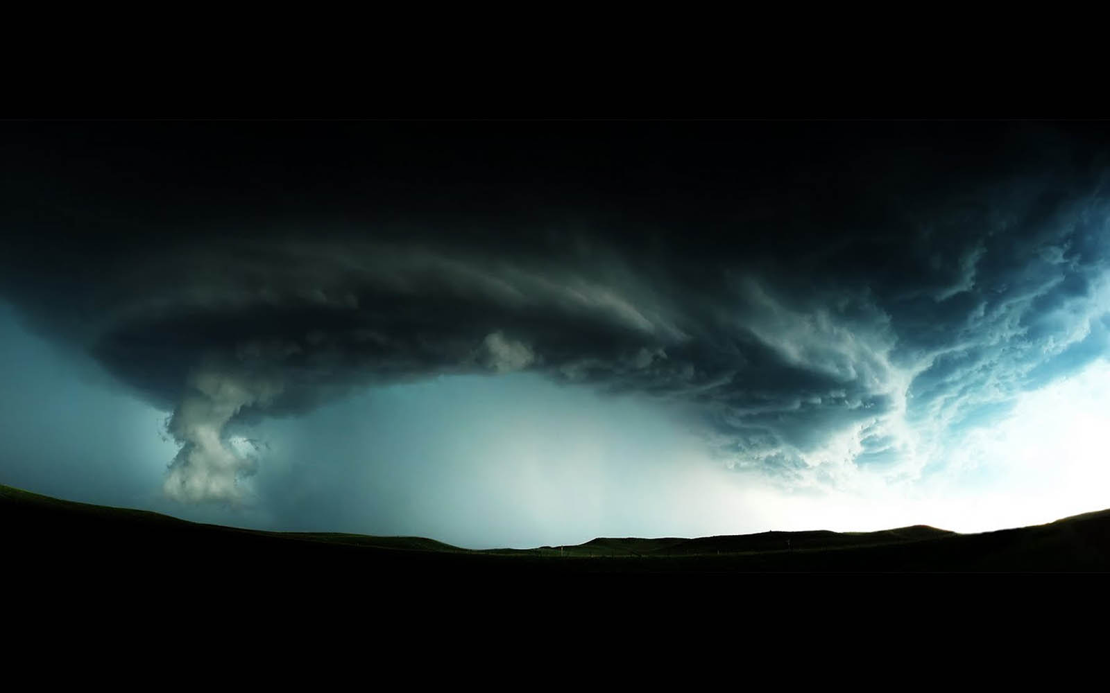 Tag Tornado Photos Wallpapers Backgrounds Picturesand Images for 1600x1000