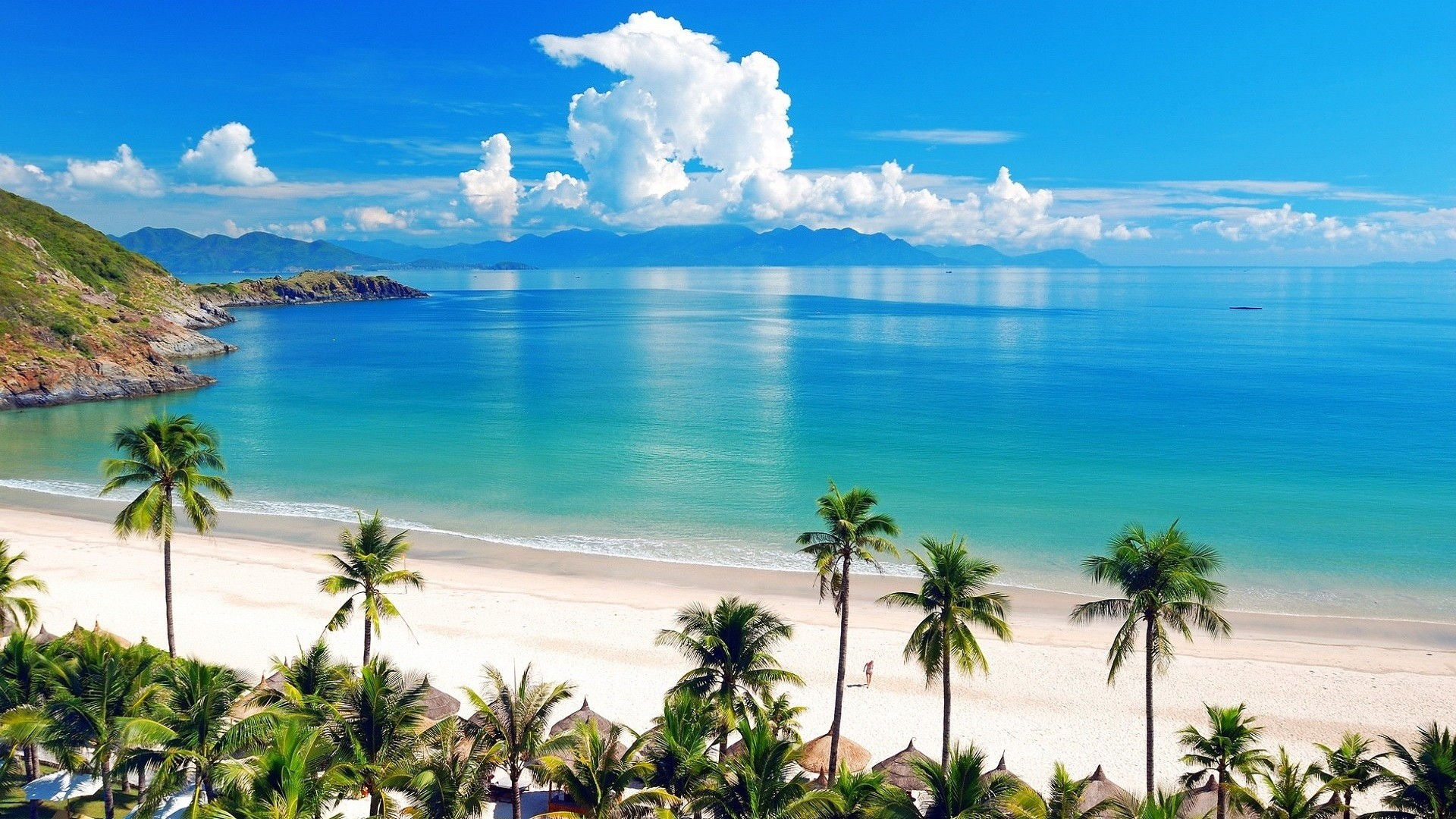 Free Download Beach And Blue Sea Wallpaper Download Full Hd