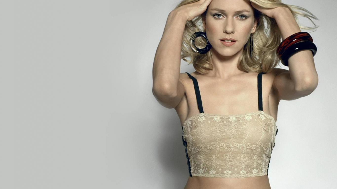 Hollywood All Stars Naomi Watts HD Wallpapers 1366x768