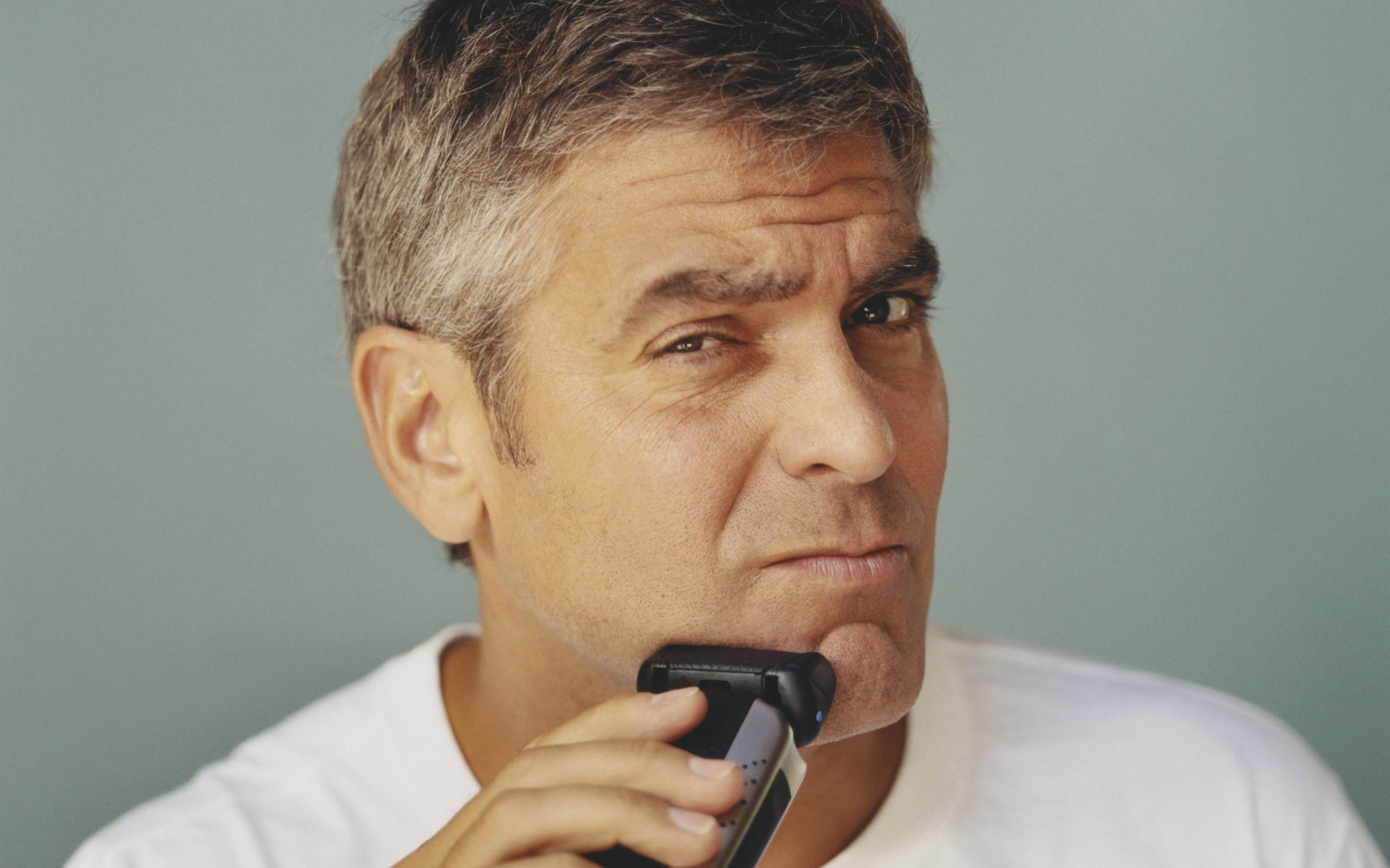 16 HD George Clooney Wallpapers 2560x1600