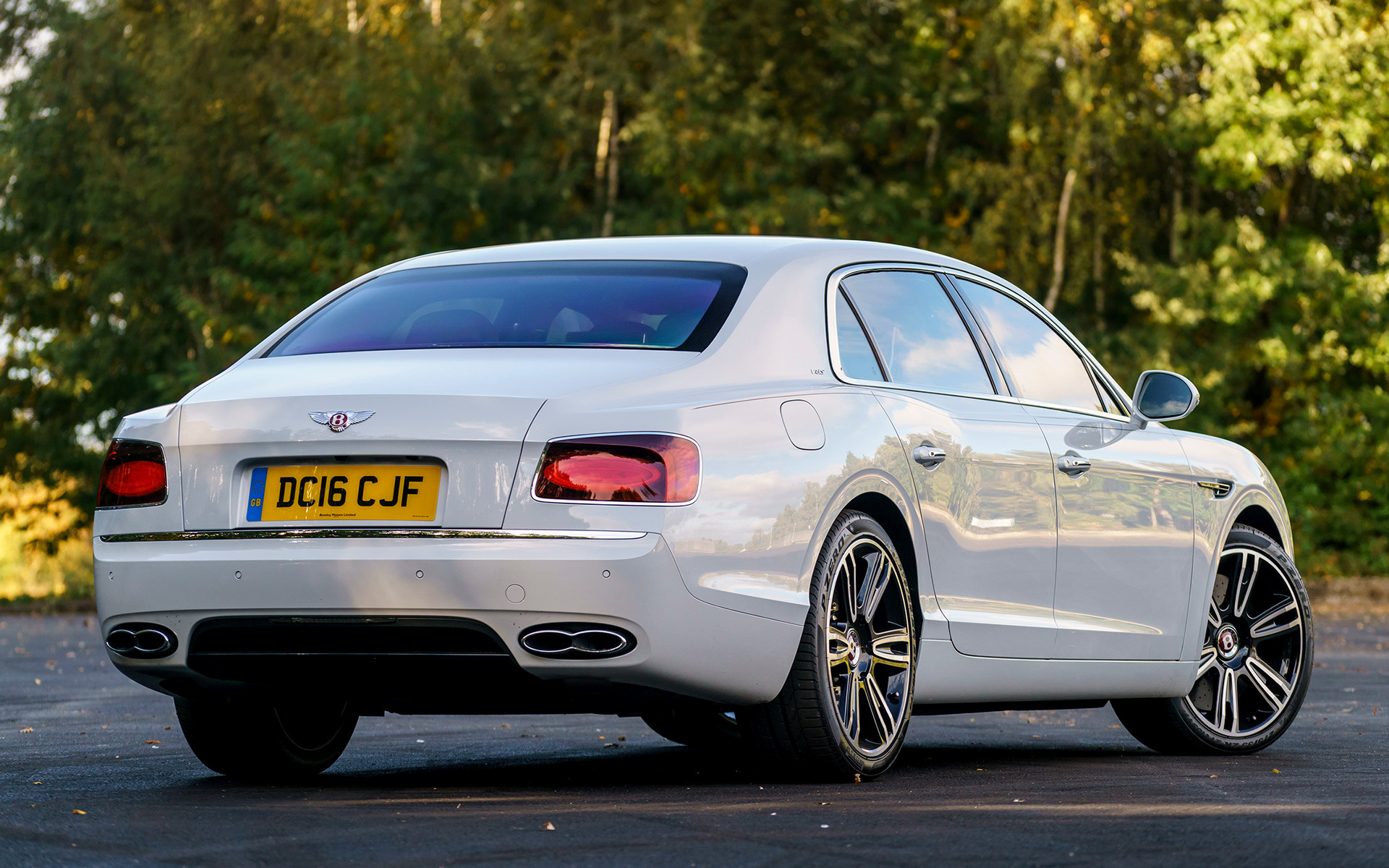 2016 Bentley Flying Spur V8 S UK   Wallpapers and HD Images 1920x1200