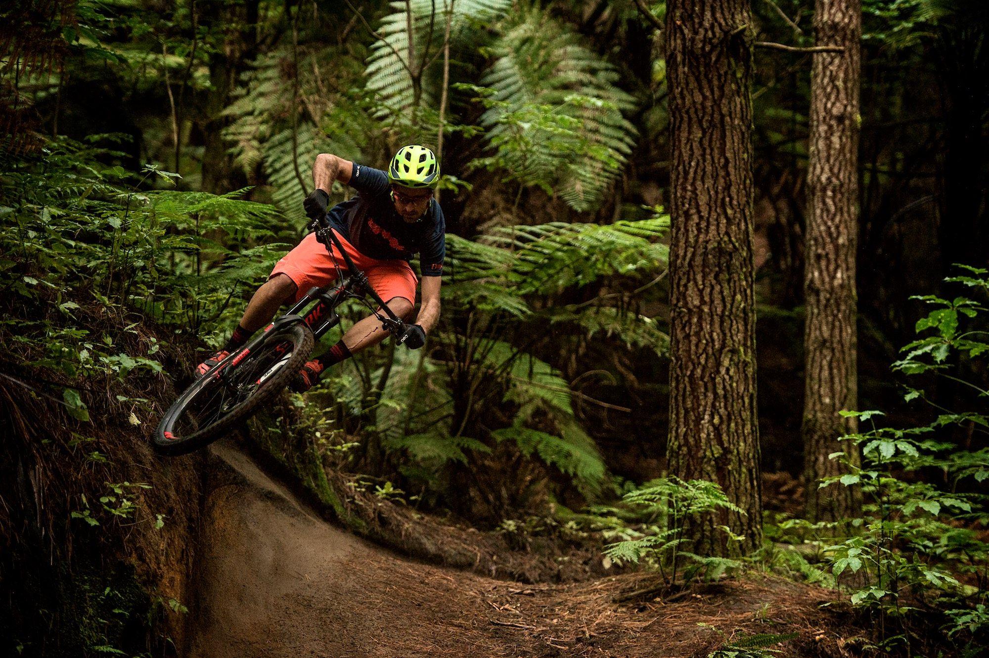 Specialized Stumpjumper Wallpaper Riding Bike Downhill 2000x1331