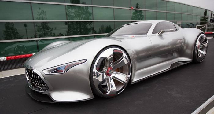 Mercedes Benz AMG Vision Gran Turismo Poses For The Camera 700x373