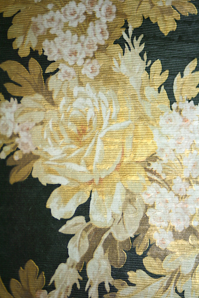 Black and Gold Floral Wallpaper 683x1024