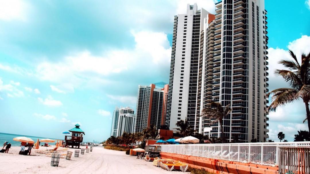 Miami Beach Hotels USA HD Wallpaper HD Wallpaper of   hdwallpaper2013 1080x607