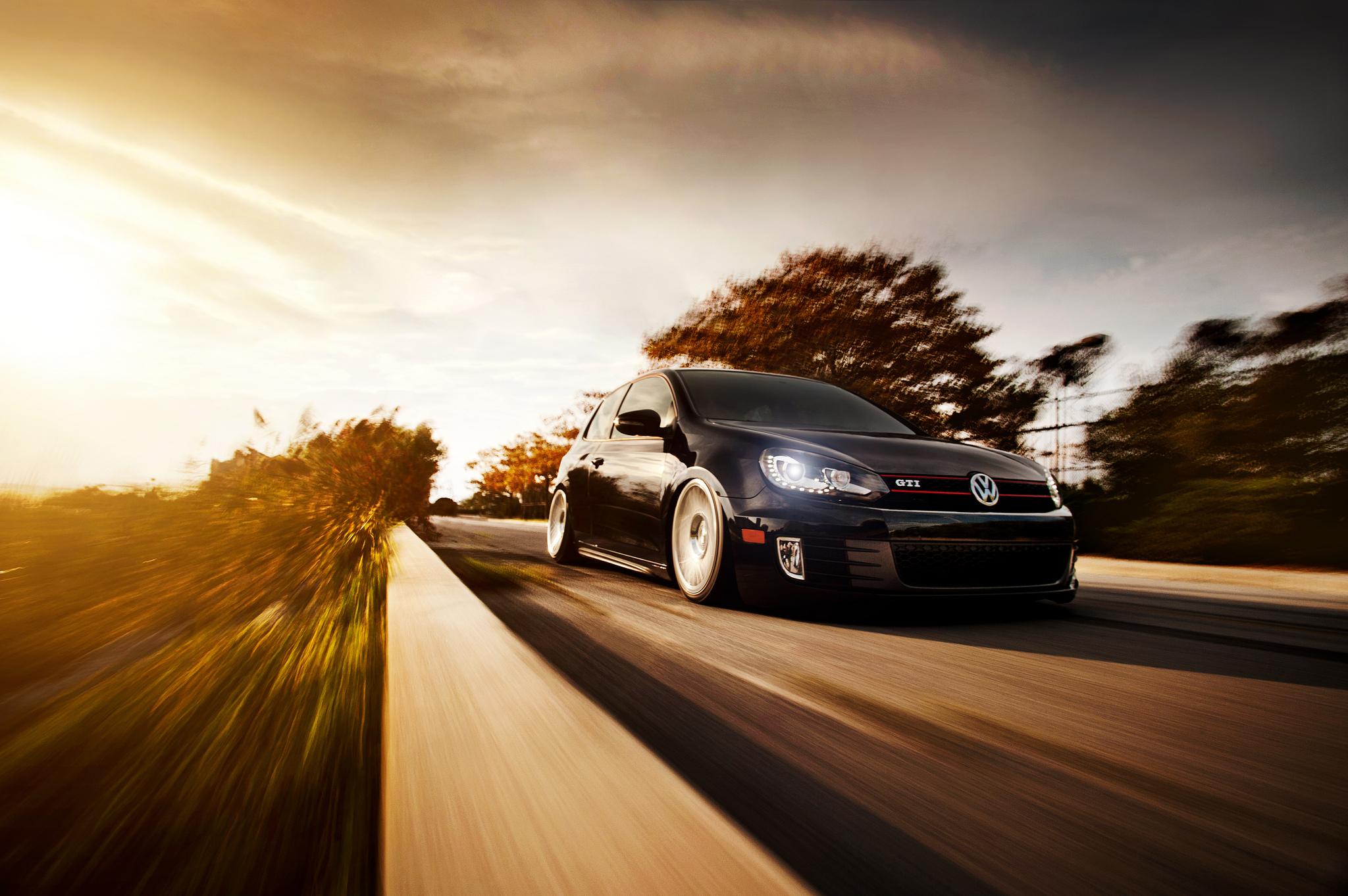 Download Volkswagen Golf GTI On The Road Wallpaper Wallpapers 2048x1363