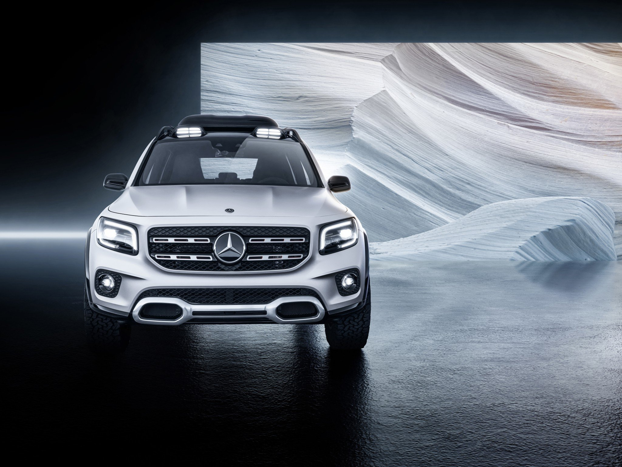 Download 2048x1536 Mercedes benz Glb Class Suv Cars White Front 2048x1536