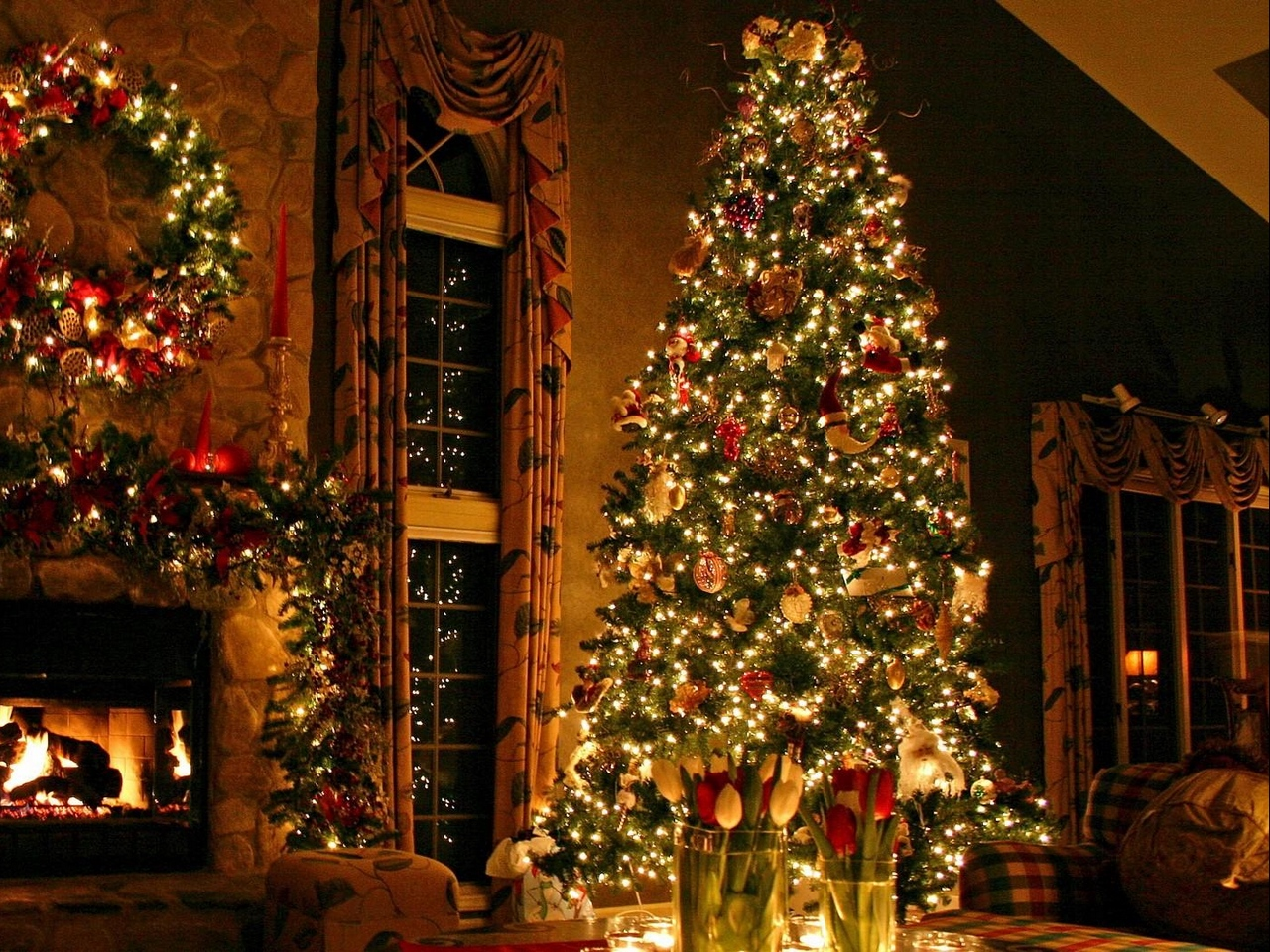 Download wallpaper 1280x960 christmas tree ornaments fireplace 1280x960