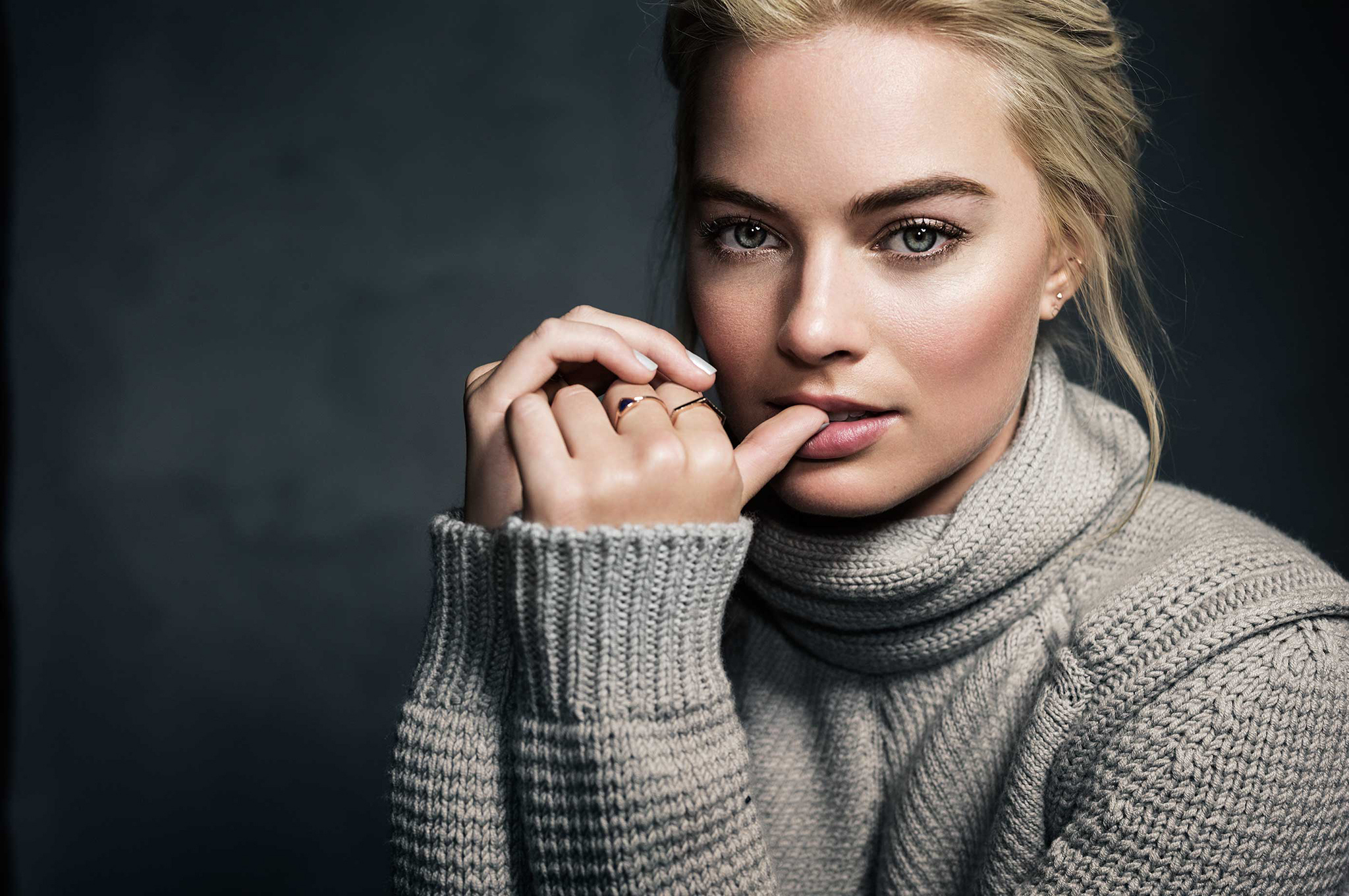 Margot Robbie Wallpapers Pictures Images 2048x1361