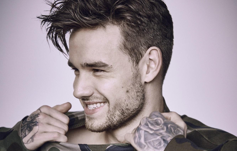 Wallpaper look pose smile male Liam Payne images for desktop 1332x850