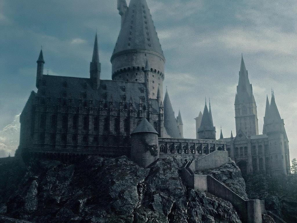 Varinha de Sabugueiro Wallpapers Hogwarts 1024x768