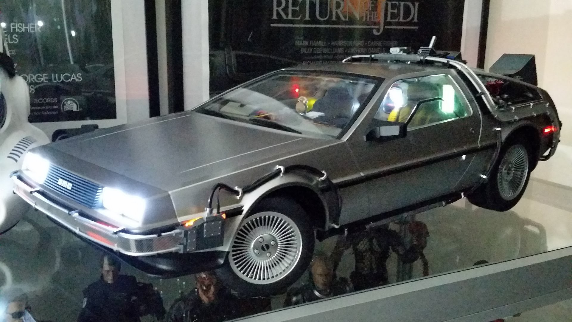 Delorean Time Machine Flying Wallpapers Background   Hot Toys Back 1920x1080