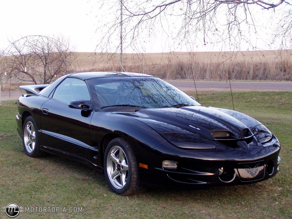 download Download Photo of a 2000 Pontiac Trans Am WS6 FAST 1024x768