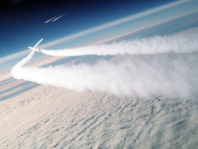 Missiles in the sky wallpapers and images   wallpapers pictures 640x480