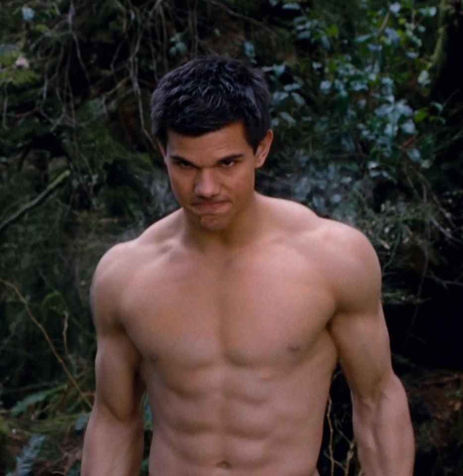 free-taylor-lautner-nude-nudist-family-gif