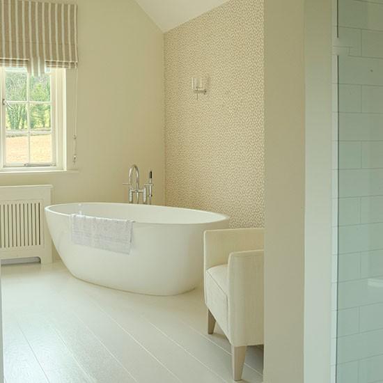wallpaper Bathroom decorating Homes Gardens Housetohomecouk 550x550