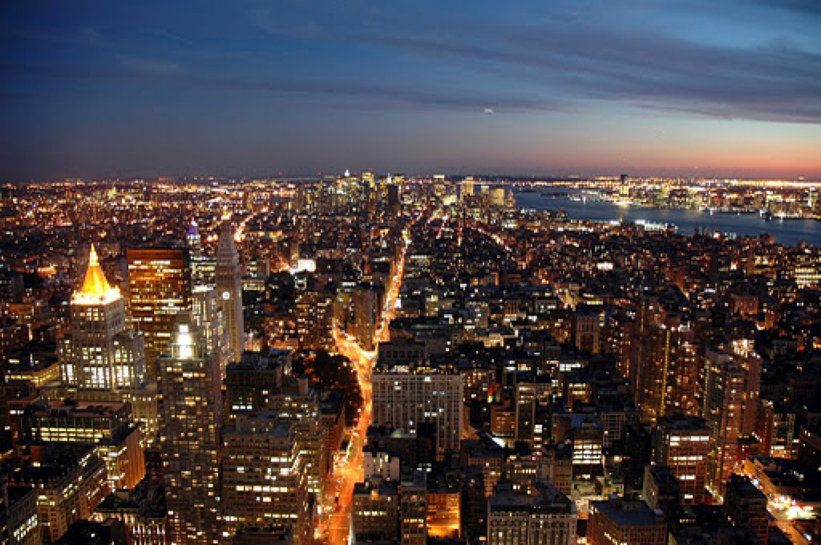 Manhattan at night wallpaper wallpapersafari for Immagini new york hd