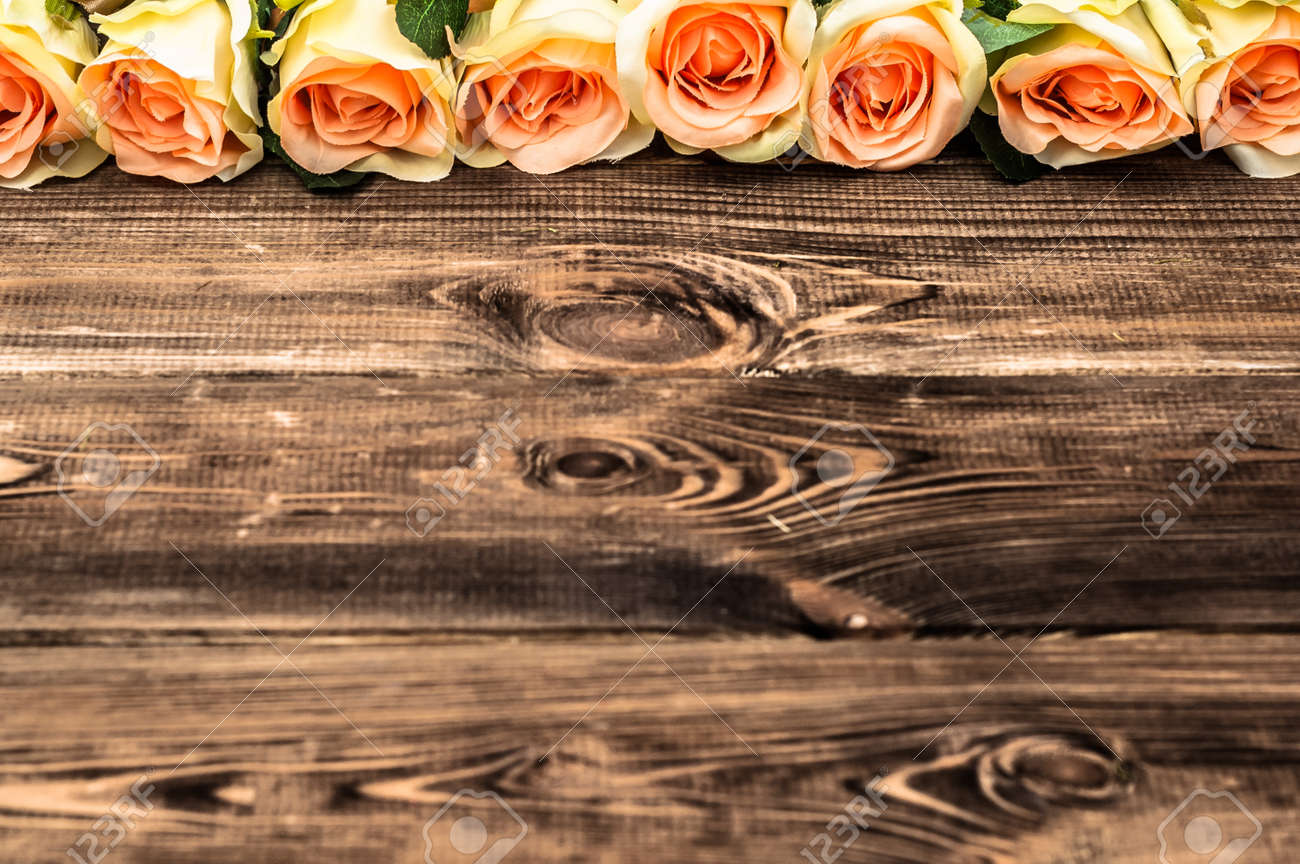 Valentines Roses On Rustic Wood Background Flowers Backgrounds 1300x864