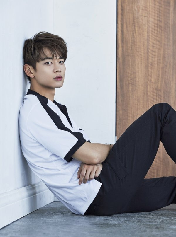 Photo SHINee MinHo for SS Collection of ANDEW Kpopmap 600x809
