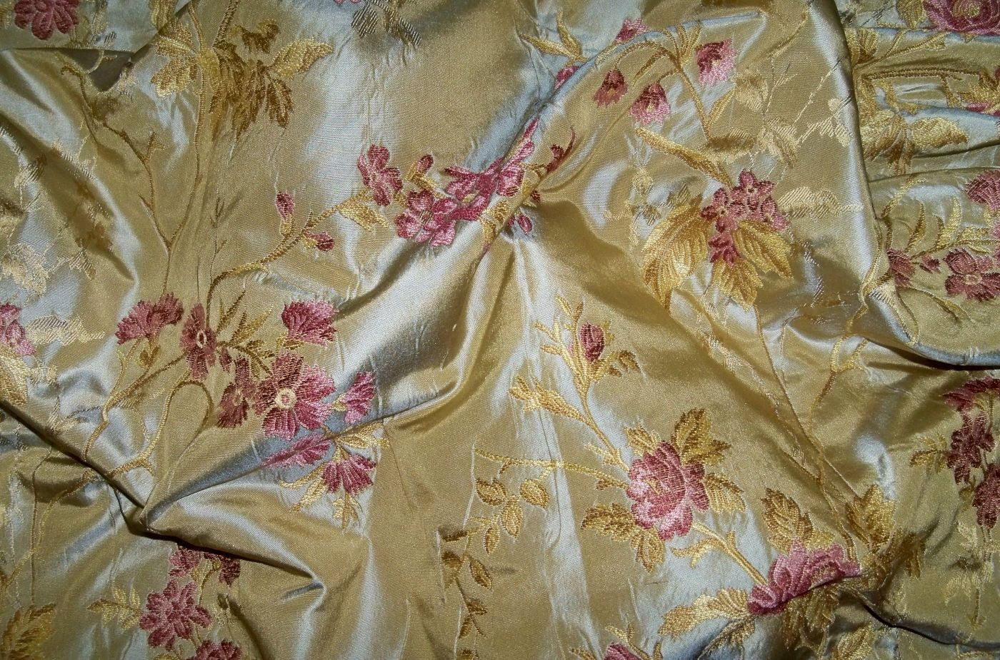 SILK LOOM FRENCH ROMANTIQUE SILK DAMASK BROCADE FABRIC GOLD ROSE PINK 1400x925