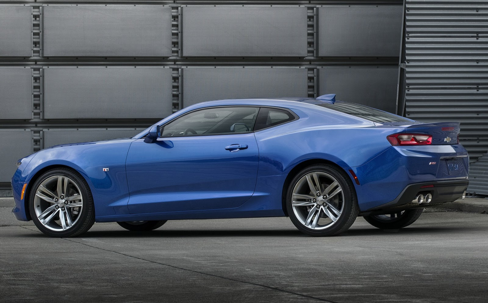 Discussione Chevrolet Camaro 2016 1600x994