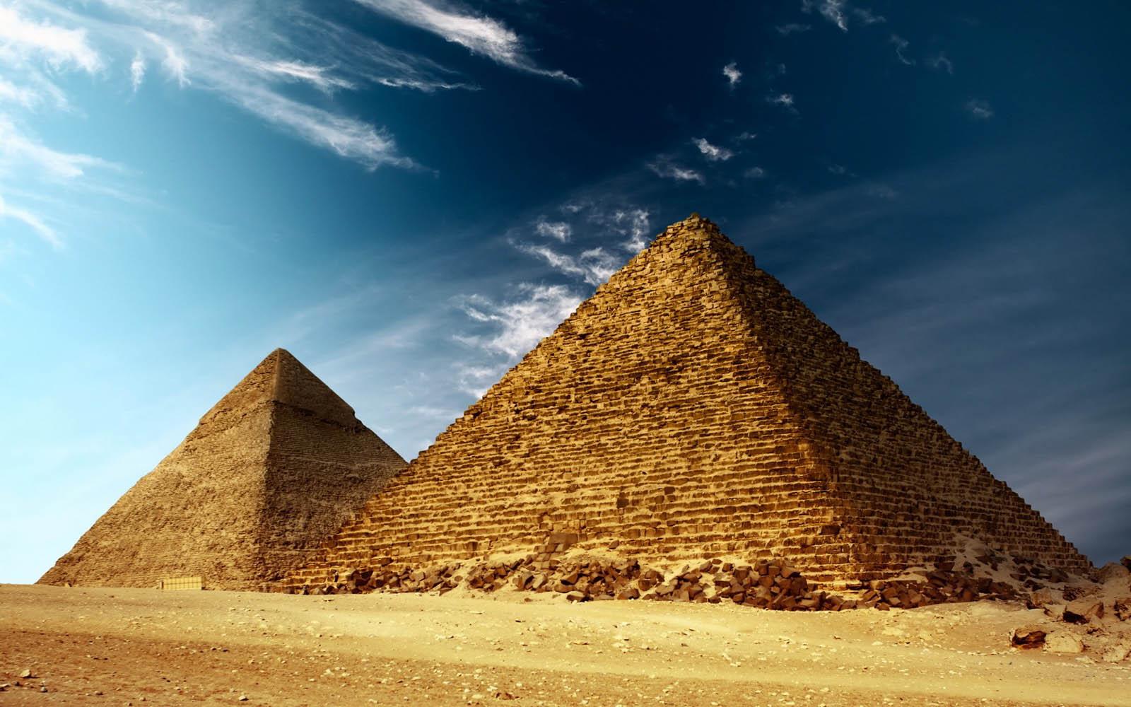 egypt pyramids wallpapers egypt pyramids desktop wallpapers egypt 1600x1000