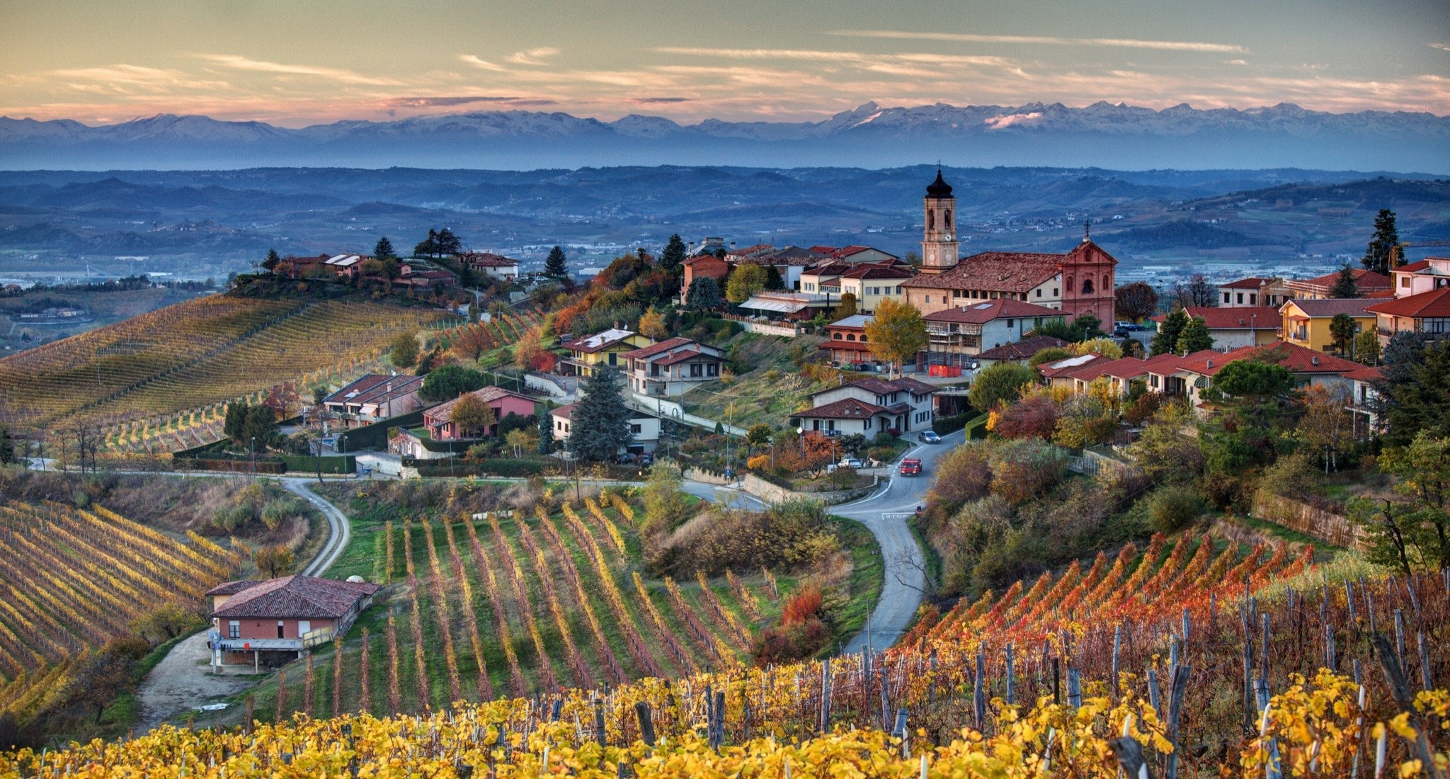 Italia Italy Piemonte Treiso landscapes wallpaper 2048x1100