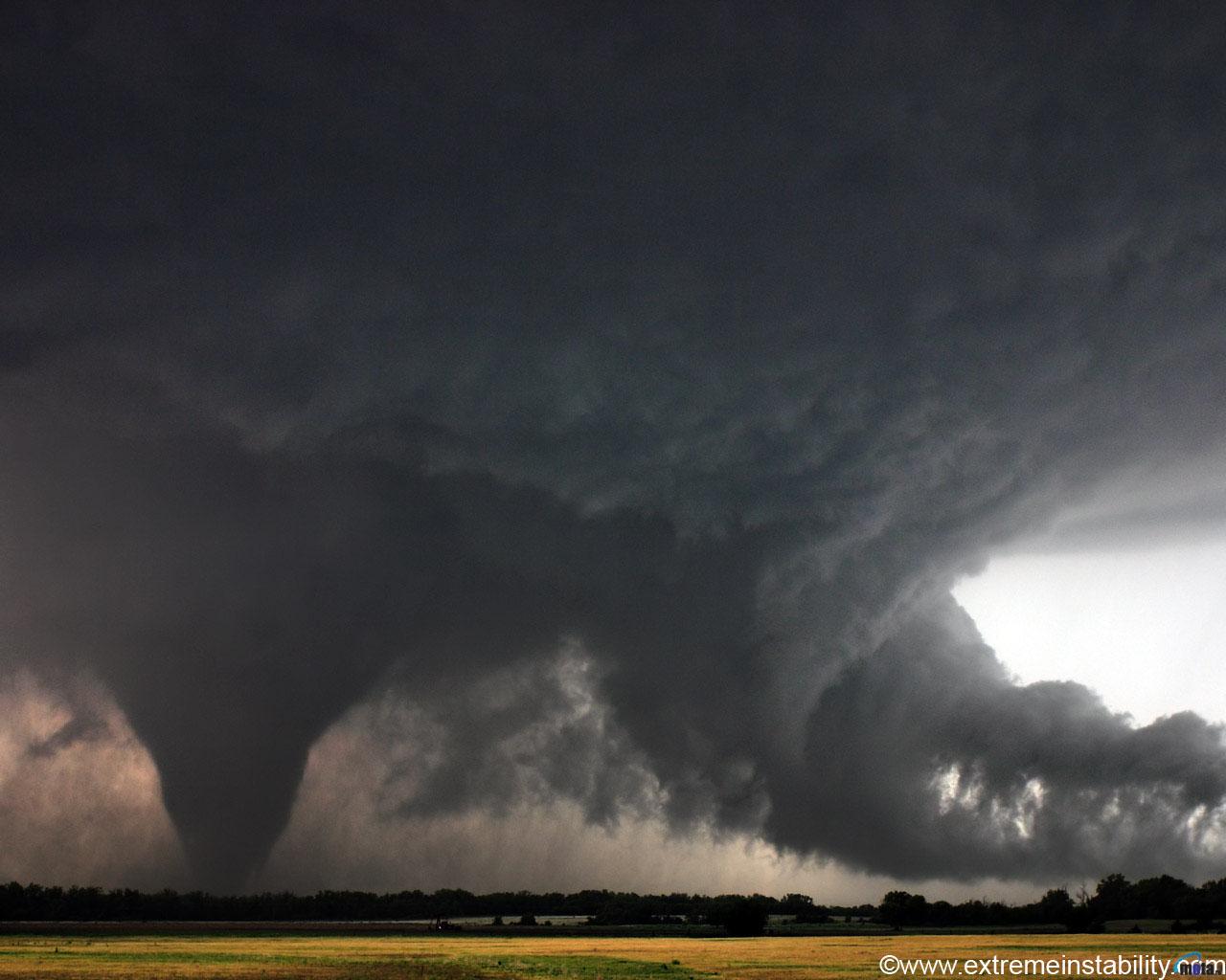 Wallpaper grey tornado Tornado 1280x1024