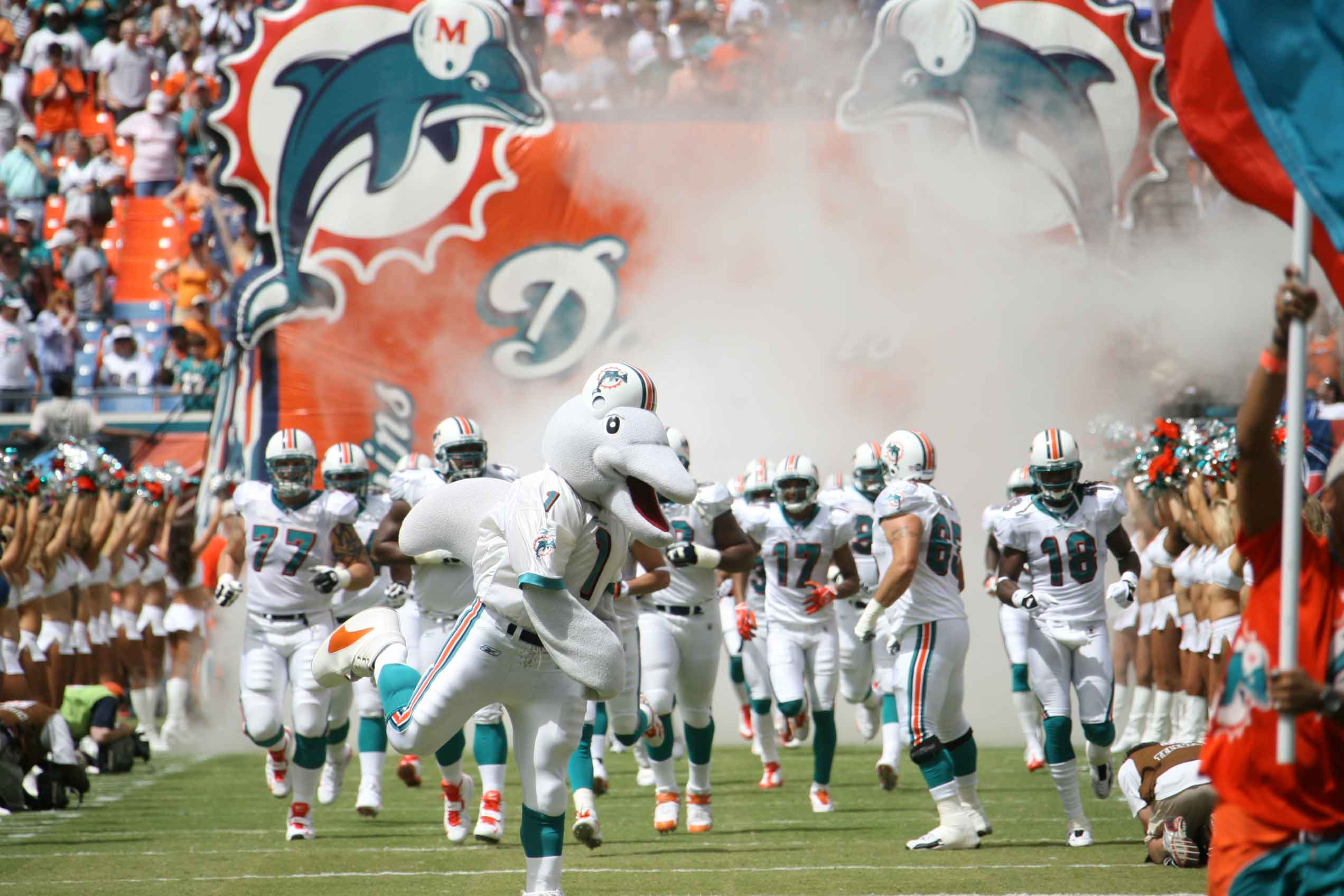 An offseason of struggles got worse for DeVante Parker The Miami Dolphins receiver suffered a broken middle finger The wideout is weektoweek and hopes to be ready