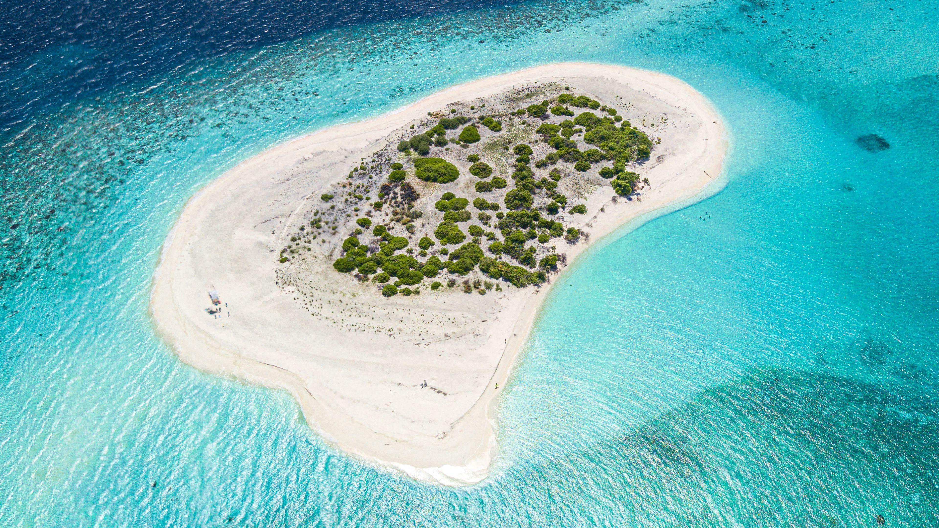 Download wallpaper 3840x2160 island ocean aerial view water 3840x2160