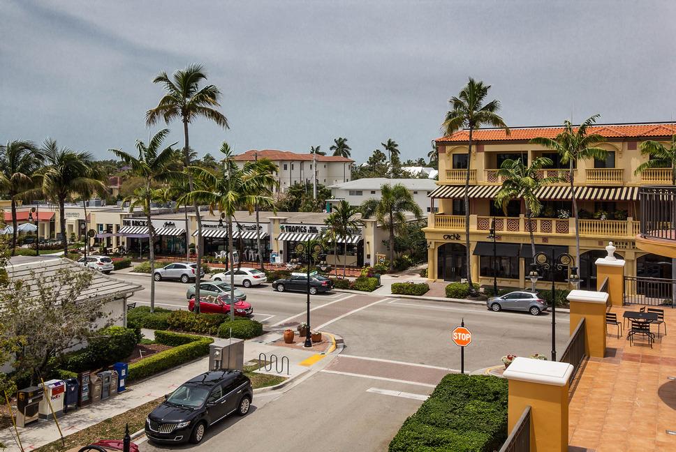 Retirement Community In Naples, Florida