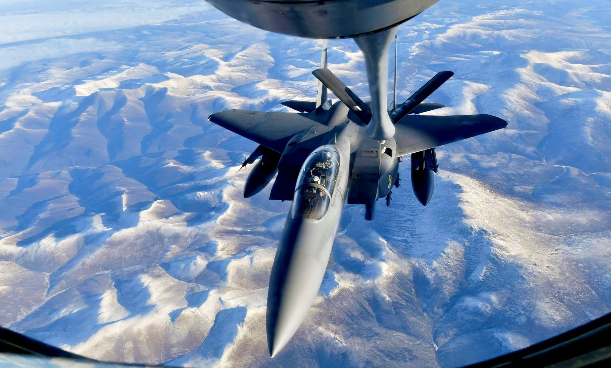 South Korean F 15K Slam Eagle refueling over Alaska during Red 2048x1235
