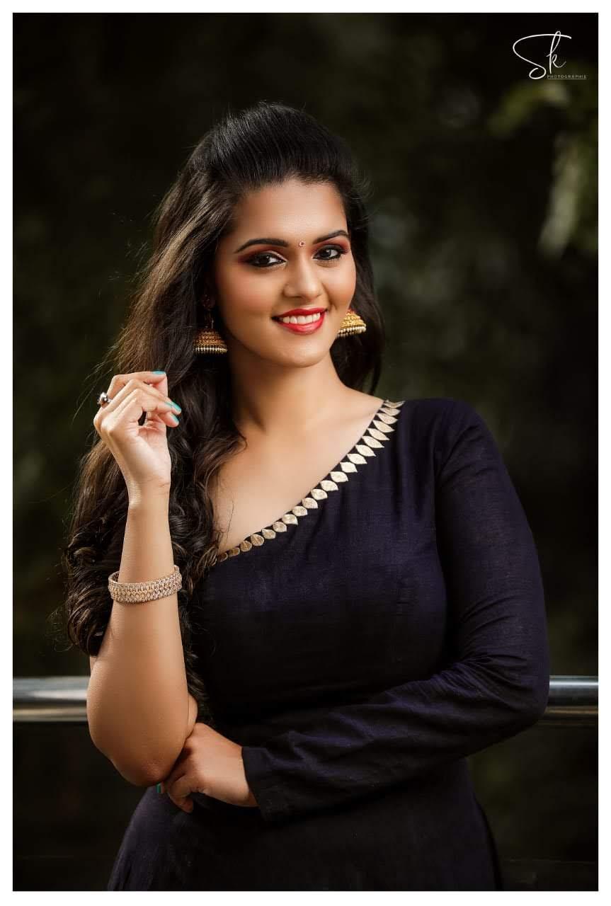 49 Roshni Prakash Images HD Live Cinema News 863x1280