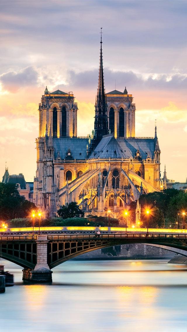 Notre Dame Iphone Wallpaper 4 2042 Desktop Wallpaper S   Desktop 640x1136