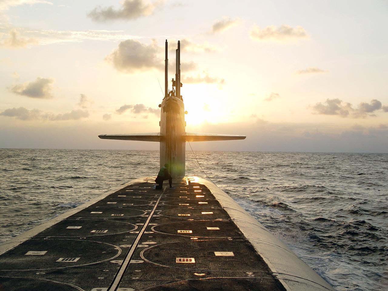 Nuclear Submarine Wallpaper 1280x960 Nuclear Submarine Ohio Ssbn 1280x960