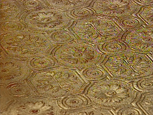 How to Add a Gold Leaf Finish to Embossed Wallpaper 614x462