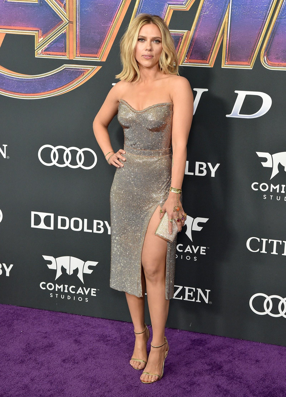 Brie Larson and Scarlett Johansson Wear Infinity GauntletInspired 1600x2224