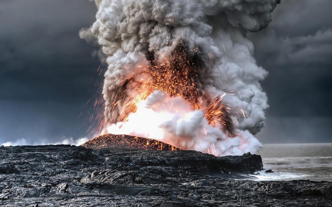 Download Volcano eruption wallpaper 1280x800