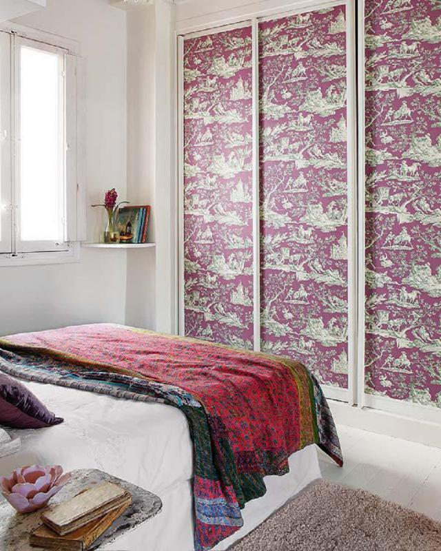 Wallpaper on closet doors   Photo courtesy of Lush Luxe 640x800